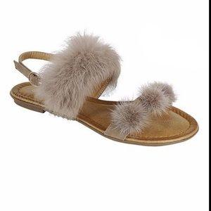 NWT Holiday pom pom fuzzy sandals